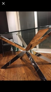 Kitchen glass table  Vaughan, L4K 2T3