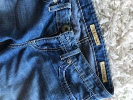 Ladies guess jeans size 27