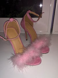 FLUFFY PINK STRAPPY HEELS Vaughan, L4L