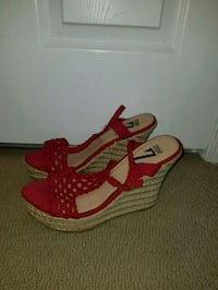 pair of red-and-white wedge sandals Charles Town, 25414