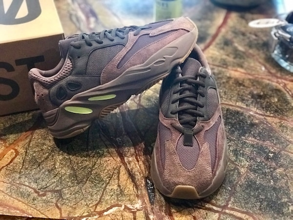 7f7e334c7 Used Yeezy Boost 700 Mauve Size 7 for sale in Scarsdale - letgo