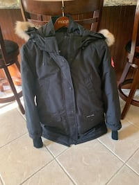 Large black Canadian goose jacket brand new Winthrop, 02152