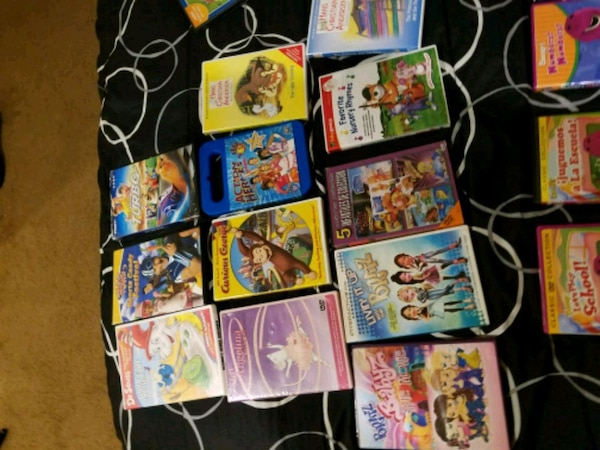 assorted Nintendo Wii game cases