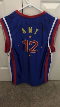 Signed Globetrotters jersey Waterford, 06385