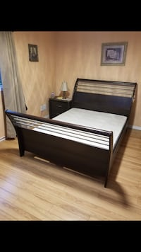 Queen size bed frame with mattress and spring box Mississauga, L4Z 3T4