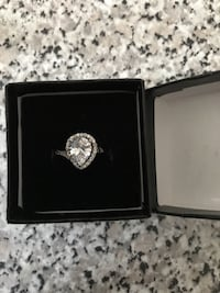 Lab created diamond, silver with 18k gold plating size 7, brand new in box Whitby, L1N 9V4
