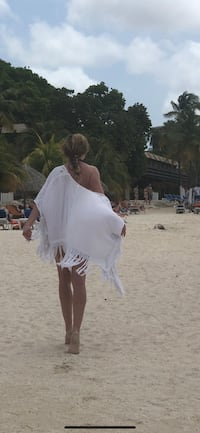White beach cover up ROXY Toronto, M6R 2M1