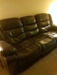 brown leather 3-seat recliner sofa Vernon, 06066