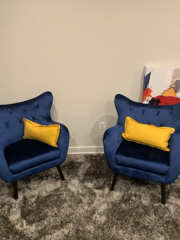 Accent chairs 0
