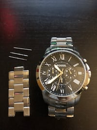 Round silver-colored chronograph watch with link bracelet Stamford, 06905
