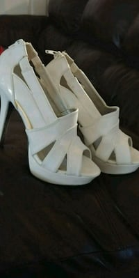 White high heels South Bend, 46614
