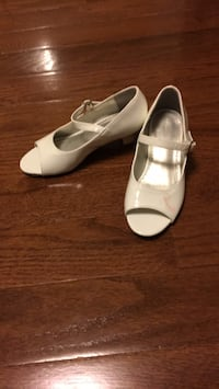 Girls shoes - size 12 Mississauga, L4Z 0B4