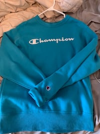 Champion sweatshirt size small