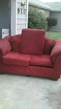 red fabric 2-seat sofa Yakima, 98902