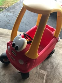 red and white Little Tikes cozy coupe Columbus, 43228