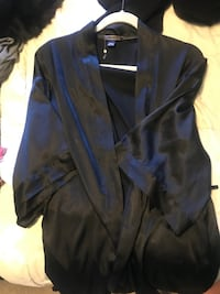 Victoria secret black silk robe  Edmonton, T6W 0P1
