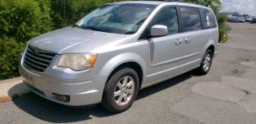 2008 - Chrysler - Town and Country 578b71d2-be32-442e-bbcc-6770c4c70261
