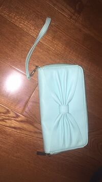 Tiffany blue/mint coloured wallet wristlet  Mississauga, L5M 1C2