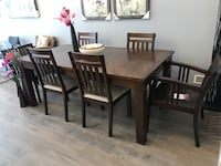 Brand new display dining table for sale Vancouver, V5V 3R1