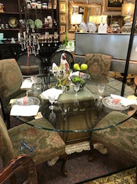 Round Glass Top Table/4 Olive Parson Chairs