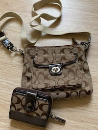 Coach cross body purse and wallet Bayville, 08721