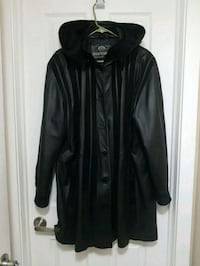 Women's xl real leather coat Kitchener, N2M 1T4