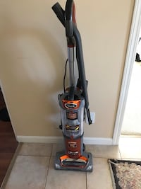 Shark Vacuum cleaner North Vancouver, V7H 2T8