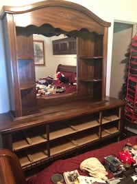 Large wooden dresser with mirror and drawers Chesapeake, 23323