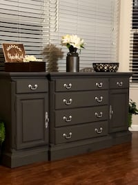 Buffet / Entryway table  Lake Saint Louis, 63367