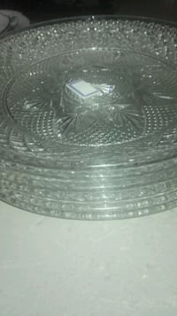 round clear cut glass bowl St. Catharines, L2R 1P1