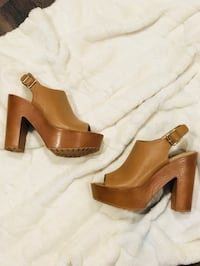 Brown leather platform booties- Size 8 Whittier, 90605