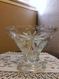 SHANNON CRYSTAL GLASS CLASSIC CUT TRIFLE PEDISTAL BOWL W/RIPPLE EDGING