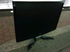 Acer P224w LCD display with DVI and PC ports