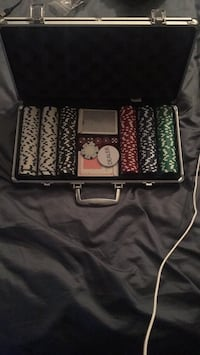 Poker chips set with case Rochester, 14625