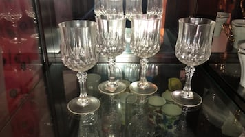 4 Glass Wine Cups (Negotiable)