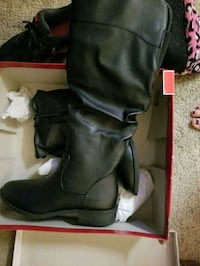 Size 6 knee high American eagle boots.  Appleton, 54914