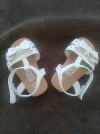 pair of girl's white flat sandals Anderson, 96007