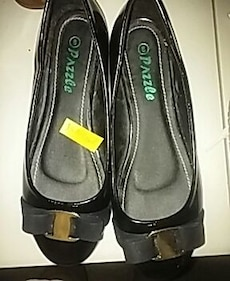 Size 8 Black Gold Buckle Flats