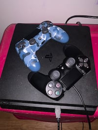 PS4 2 controllers and 2k20