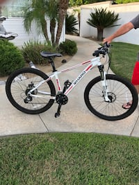 28 x 15 HARPO Mountain Bike.  Has distance tracker & water bottle holder Murrieta, 92563