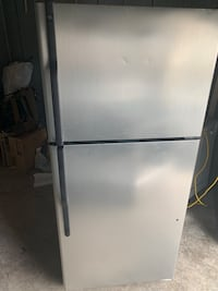 GE fridge good condition  Sterling, 20164