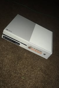 Sticker not included works great comes with wired controller  Wichita, 67217