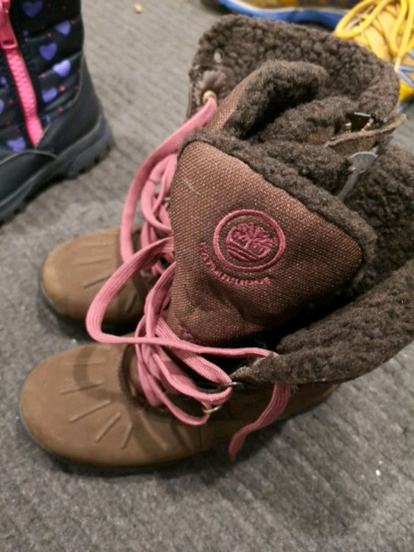 1e08050d23eb Used Timberland winter boots for kids for sale in Montréal - letgo