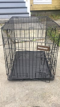 Black petmate metal folding dog crate Victoria, V8Z 3V7