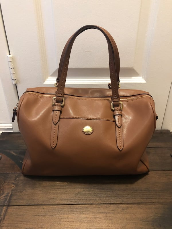 Brown Coach Purse ebf77cdd-ebdc-4a6e-b9bd-6e92f87a6ebf