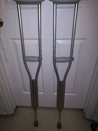 """Used crutches, ranges from 4'6"""" to 5'2"""" Springfield, 22153"""