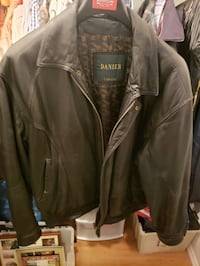 Danier Men's leather jacket (lined)  Nanaimo, V9S 1Y2