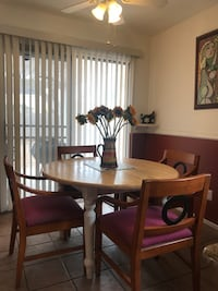 dining table with extension can fit 6 people Las Vegas, 89119