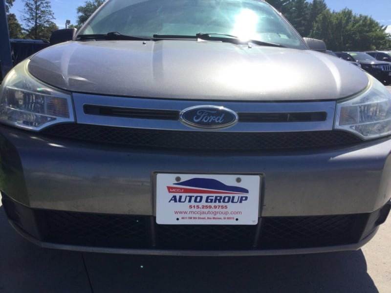 2010 Ford Focus 4dr Sdn SE GUARANTEED CREDIT APPROVAL! 37b8a83d-e996-42ca-8bf4-4ef2caea907d