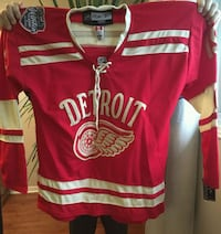 Steve Yzerman Jersey autograph with puck and authe Bradford West Gwillimbury, L3Z 1B4